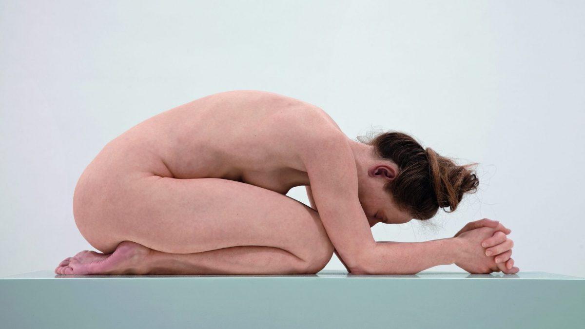 Sam Jinks: Untitled (Kneeling Woman), 2015, im Besitz des Künstlers, © Sam Jinks, Courtesy Sam Jinks, Sullivan+Strumpf, Sydney und das Institut für Kulturaustausch, Tübingen