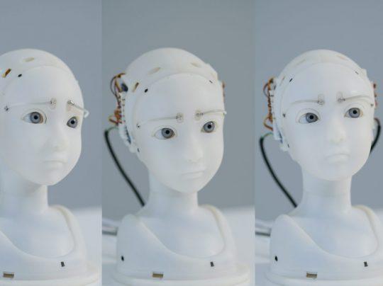 Takayuki Todo SEER: Simulative Emotional Expression Robot, 2018 Artist Takayuki Todo, Foto: Yasushi Kato