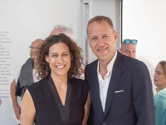 Nicole Fritz und Christian Jankowski bei der Eröffnung der Comeback-Ausstellung. Foto: Ulrich Metz