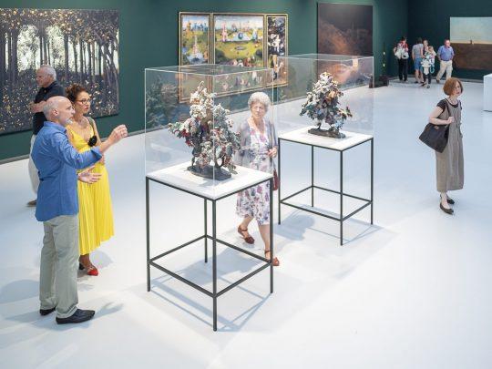 Besucherinnen und Besucher in der Kunsthalle Tübingen. Foto: Ulrich Metz