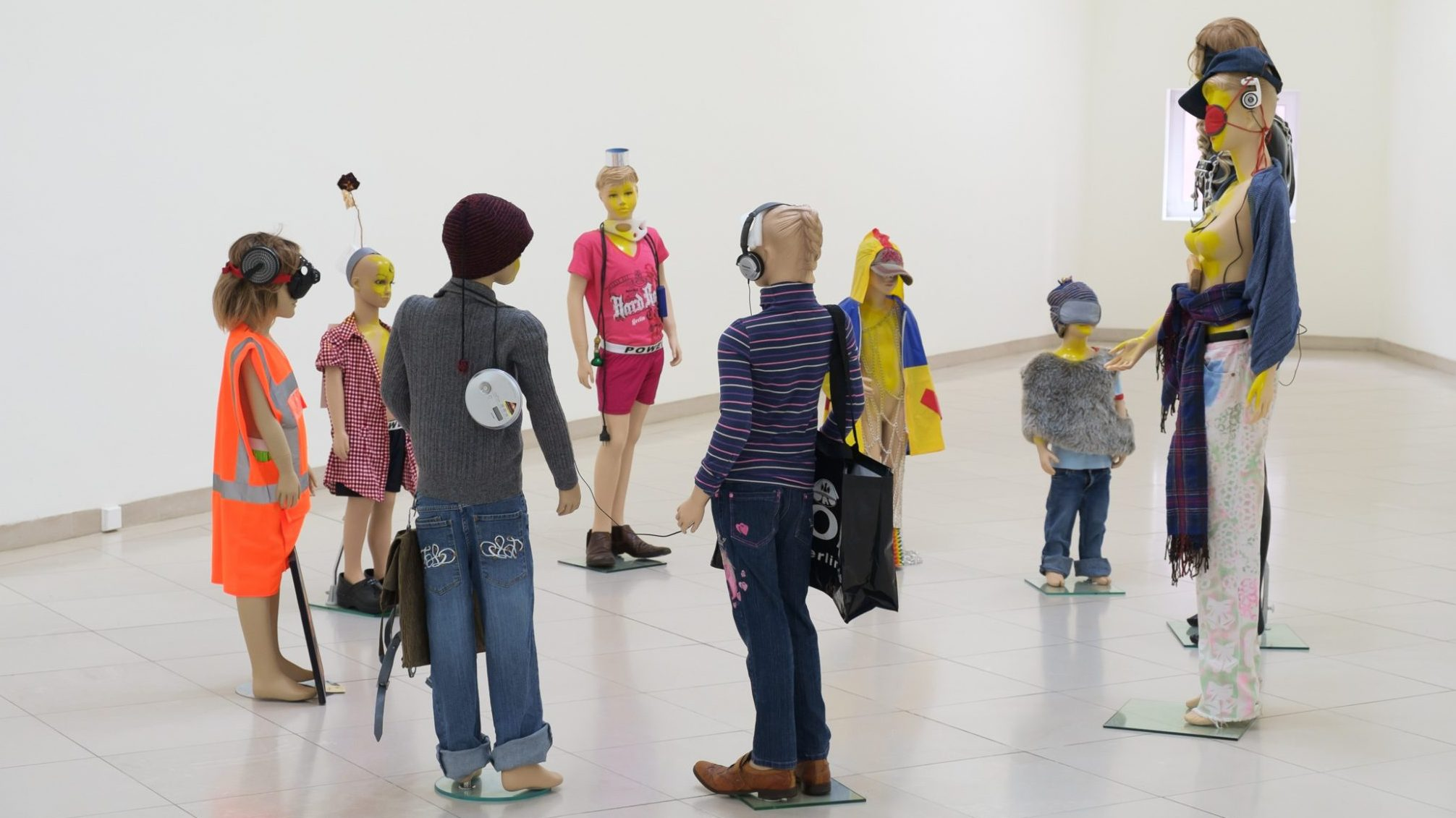 Isa Genzken, Schauspieler III, 3, 2015 Courtesy Galerie Buchholz, Berlin/Cologne/New York © VG Bild-Kunst, Bonn 2019, Foto: Axel Schneider, Frankfurt