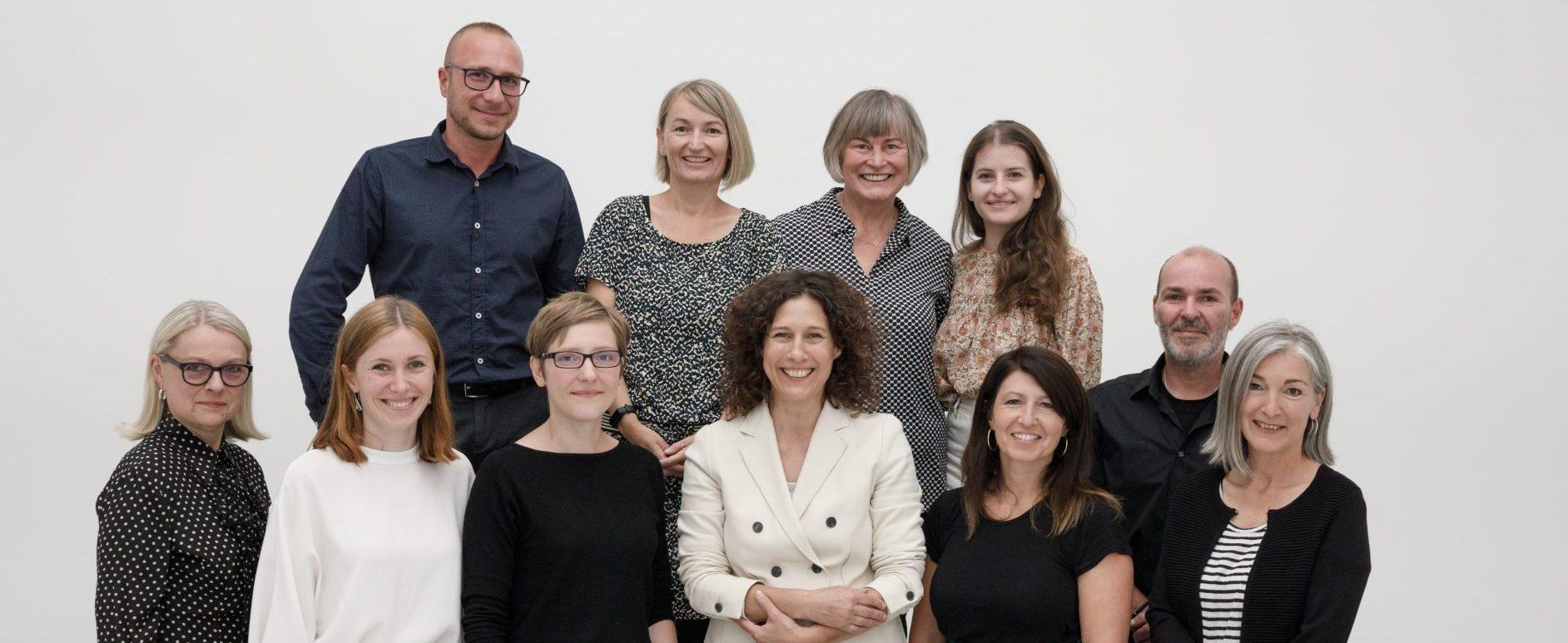 Dr. Nicole Fritz (Mitte) und das Team der Kunsthalle Tübingen. Foto: Wynrich Zlomke